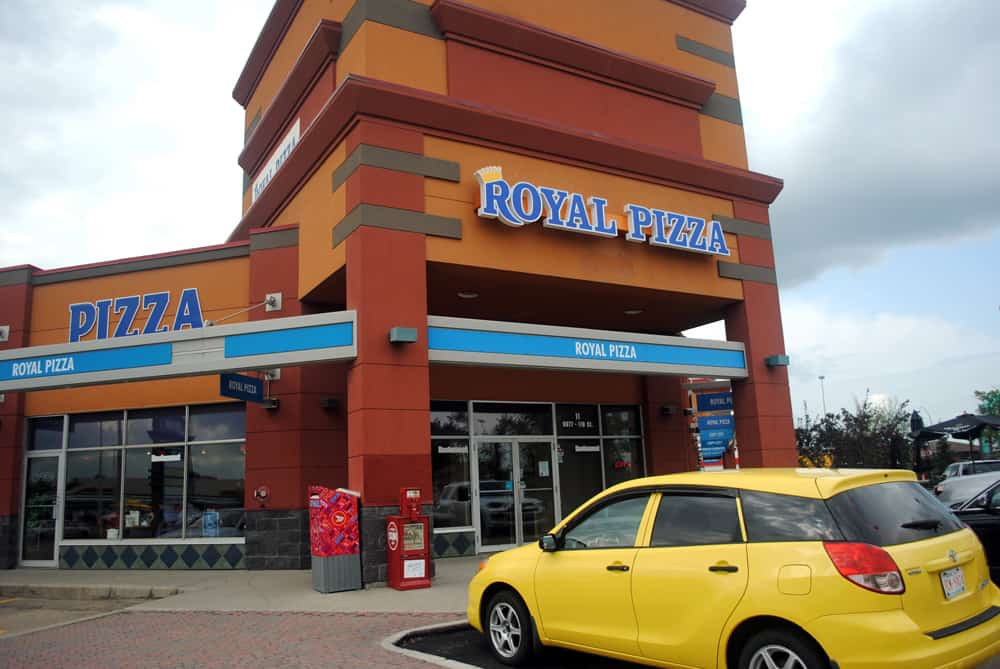 Royal Pizza Illuminated Letter Sign